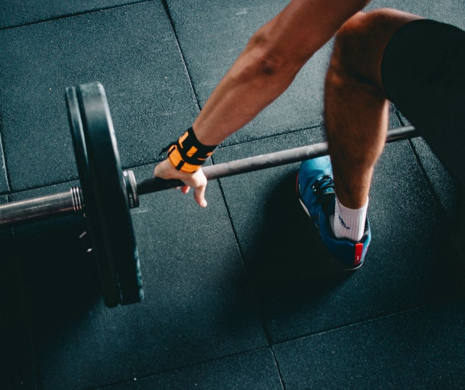 Промяна в захвата на щангата и промени в ъгъла на вдигане на тежести като гири и дъмбели ще обнови тренировката Ви за по-добри спортни резултати.