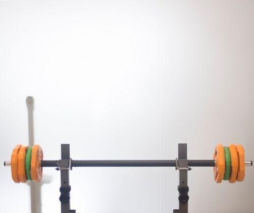 Правила и съвети за изграждане на мускулна маса и сила при тренировките с тежести.