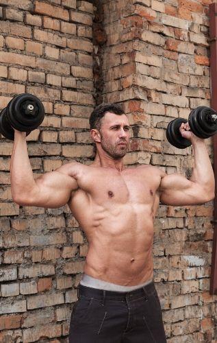 Хранителен план и тренировъчна програма за уголемяване на мускулите и силата.