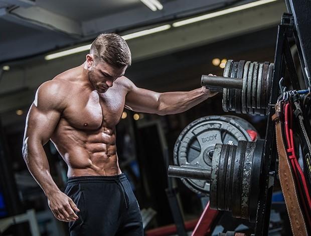 За уголемяване на мускулите, правете разнообразни упражнения, към които тялото Ви трябва да се араптира.