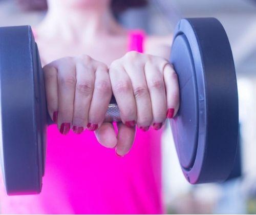 Променете обема на тренировките си, за да поддържате тялото си перфектно през цялата година, повече повторения - по-добър успех!