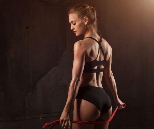 Кои уреди във фитнес залата стават за трениране на краката, стягане на бедрата и дупето - кардио тренажори.