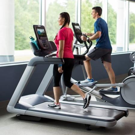 Пътеката за бягане е удобна за трениране и вкъщи, и във фитнеса