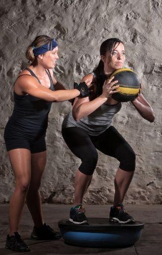 Функционалната баланс тренировка акцентира върху развитието на мускулите стабилизатори.