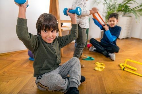 Гири, подходящи за домашни тренировки за деца.