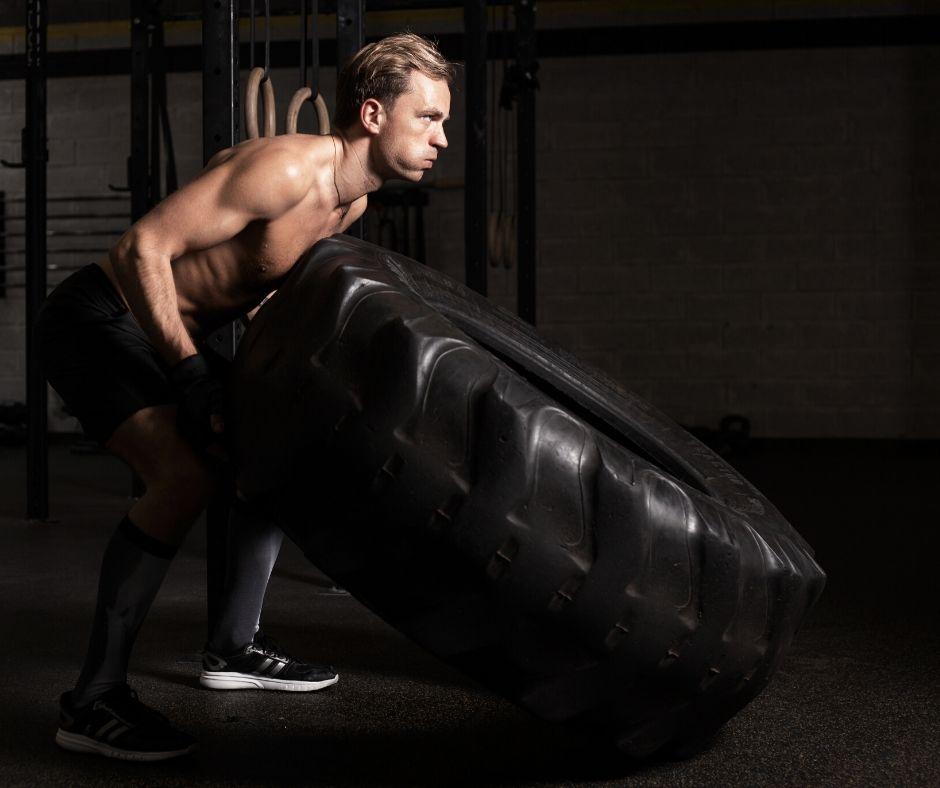 Тренировки с ускоряване и забавяне, ВИИТ за горене на мазнини и упражнения за сила.