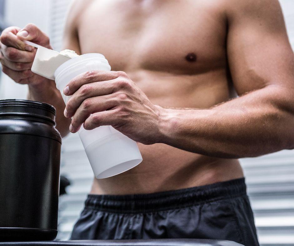 Предтренировъни и следтренировъчни спортни добавки за изграждане на мускулна маса.