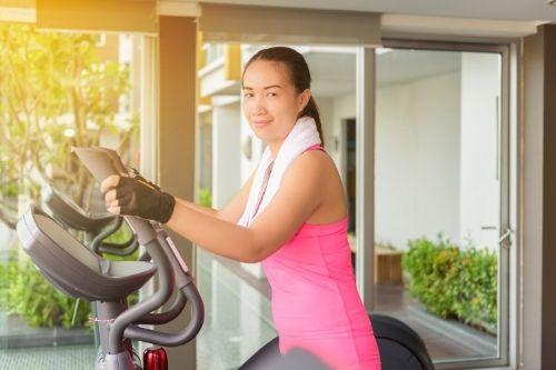 Кардио тренировките сутрин на гладно са ефективен начин за горене на мазнини.