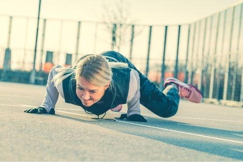 Жейите могат да правя силови упражнения за всички мускулни друпи с цел правилни пропорции на тялото.