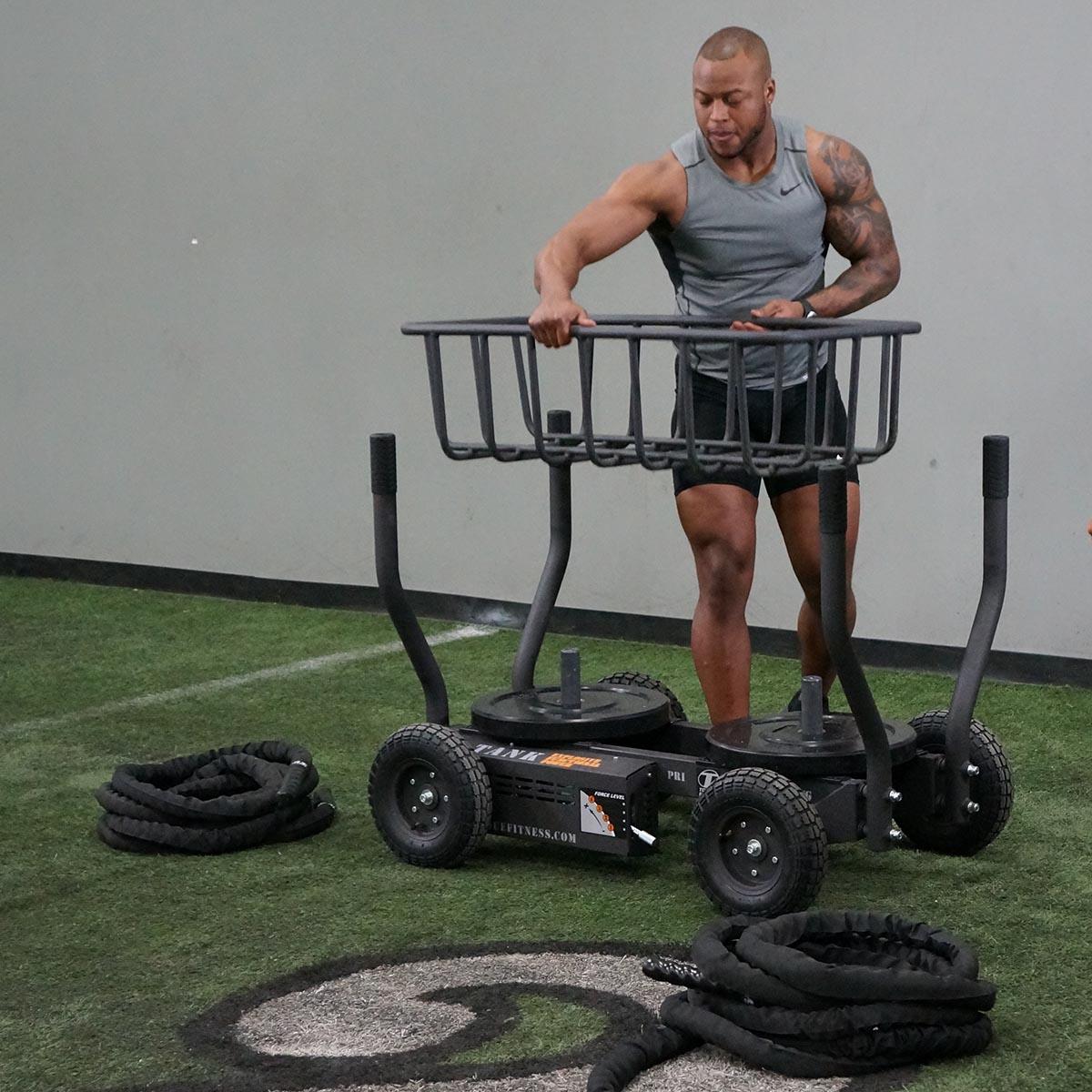 Кросфит шейната има възможност за допълнително оборудване за повече разнообразие на упражненията и натовареността от тренирането с този фитнес уред