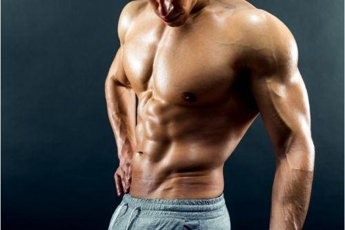 Развитите мускули на гърба, гърдите, пресата са възбуждащи за жените.