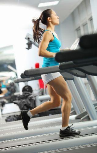 Фитнес уредите биват кардио и силови тренажори и е най-добре да се комбинират.