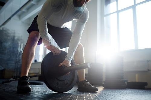 Пауърлифтинг е спорт, на който трябва да се посветят преданост и постоянство за добри резултати.