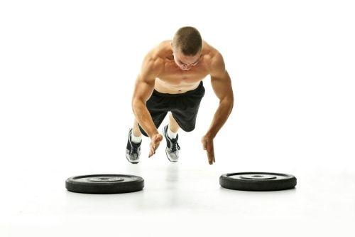 Плиометрични упражнения за начално, средно и високо ниво на физическа подготовка за отслабване.