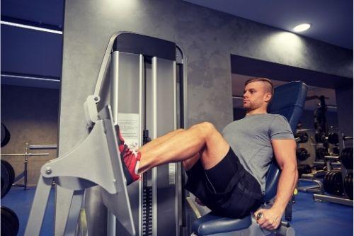 Плюсове и минуси на тренировките с преса за крака.