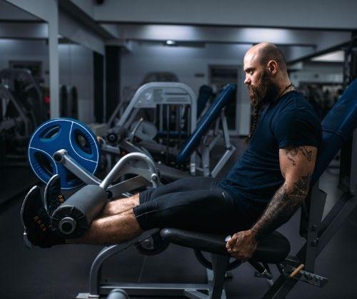 Ефективен тренинг за мускулите на задната част на бедрата.