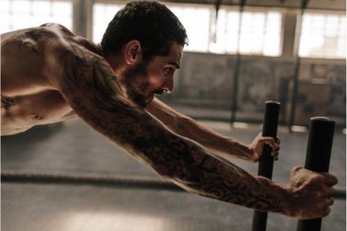 Кросфит шейна (crossfit sled) е мултифункционален фитнес уред за трениране на всички мускулни групи.