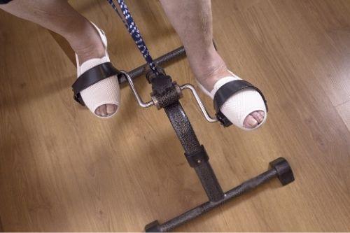 фитнес уреди - Мини колелото заема малко място в дома и е много подходящо за трениране на краката при домашни тренировки.