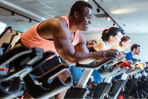 Велотренажорите са неотменна част от всеки фитнес център, тъй като тренира цялото тяло, привежда го в тонус, помага за горене на мазнините и повишава издръжливостта.