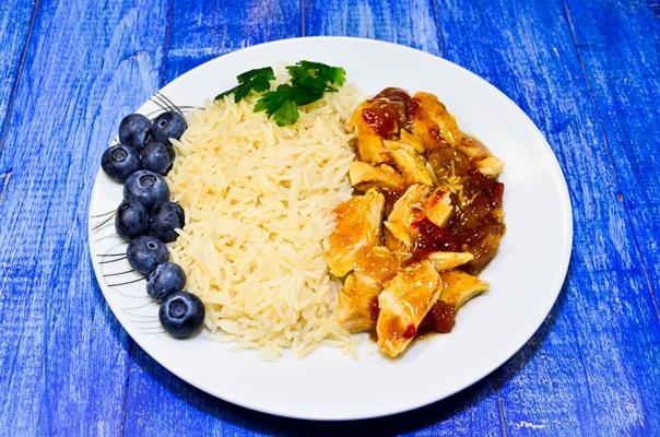 Пилето е призната храна за възстановяване на мускулите по очевидна причина, само 85 грама пиле без кожа предлага 28 грама протеин!