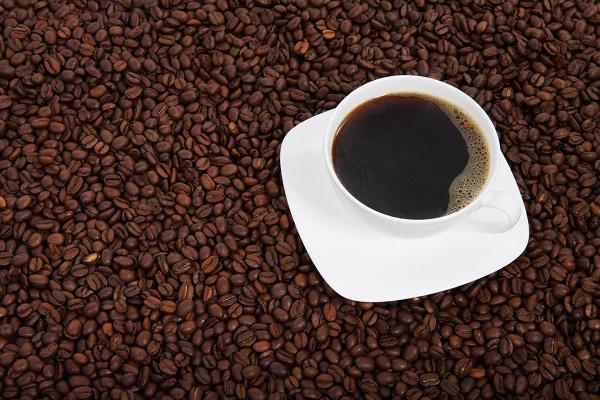 Проучванията показват, че кофеинът в кафето може да подобри физическата издръжливост, да направи по-лесно и дълготрайно тичането
