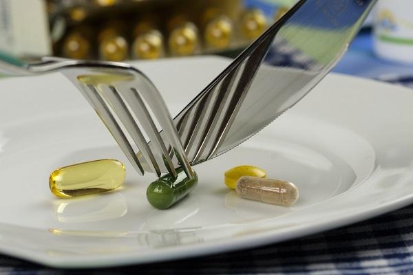 Глюкозаминът се образува естествено в организма като комбинация от глюкоза и гореспоменатата аминокиселина глутамин.