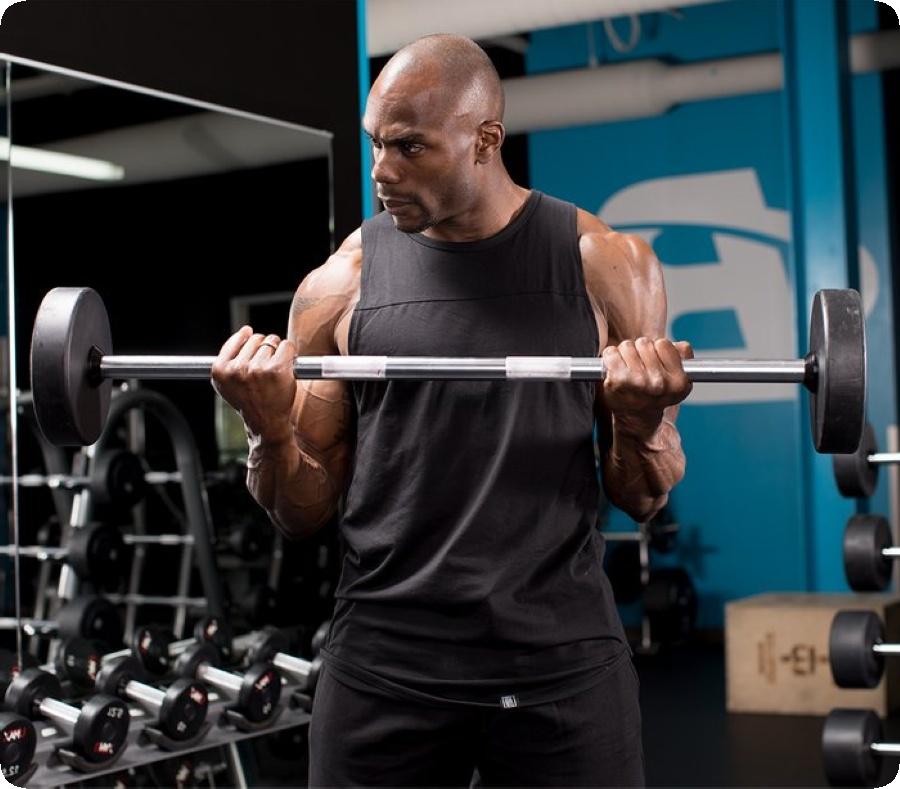 В повечето случаи трябва да се тренира с правилна техника на изпълнение на упражненията като клекове, вдигане от лежанка и други фитнес движения.