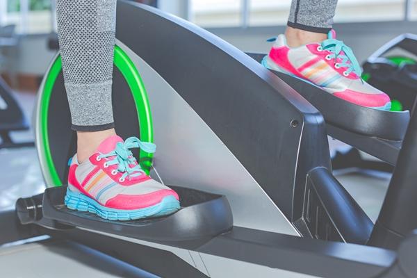 Ежедневните маратонки не са най-подходящите обувки за спортно бягане.