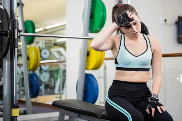 При тренировка на фитнес уреди жените трябва да спазват техниката за безопасност.