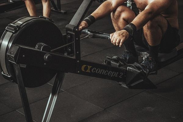 Тренировките по гребане раздвижват почти всички мускули на тялото.