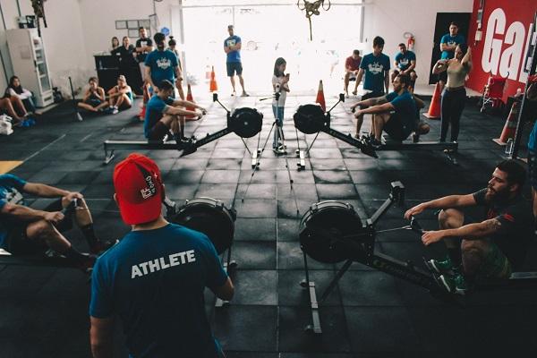 Тренировките по гребане в зала са станали доста популярни през последните години.