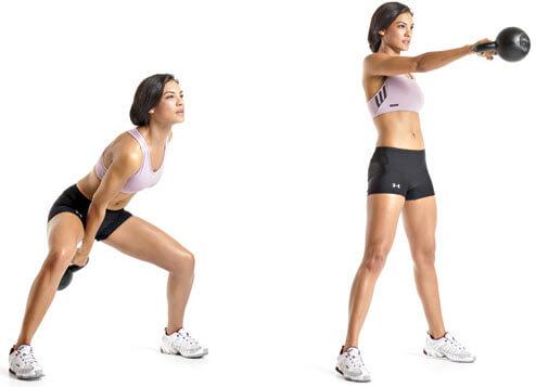Махове с гира с една ръка - серии и повторения за жени за успешно постигнане на фитнес цените.