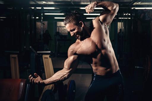 Спортни добавки за премахване на умората след изнурителна тренировка.
