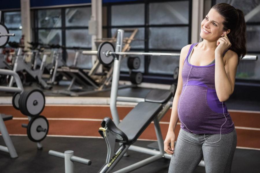 Спортът и упражненията по време на бременност намаляват риска от усложнения по време на бременността и при раждането.