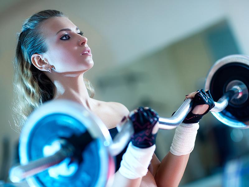 Фитнес ръкавиците са много полезни фитнес аксесоари, които подобряват ефективността и безопасността на тренировките
