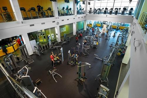 За разпределение на фитнес уредите е важно правилното зониране на залите за кардио тренировки, силови упражнения, СПА, съблекални, рецепция и т.н.