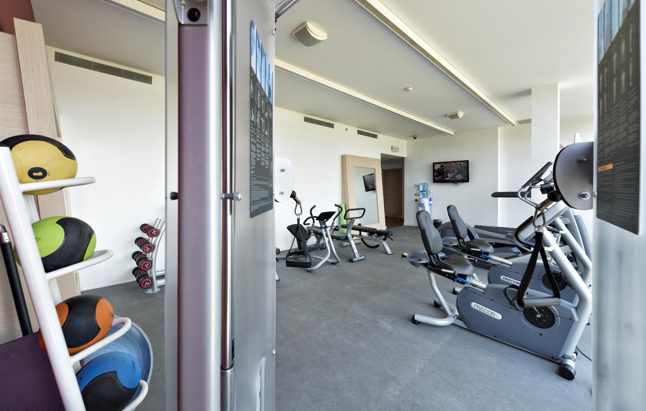 Едни от най-добрите хотели с фитнес центрове са Hilton.