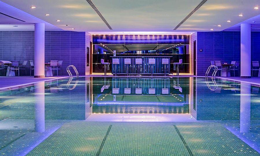 Хотели Hyatt организират групови фитнес тренировки по йога, пилатес, тай-чи.