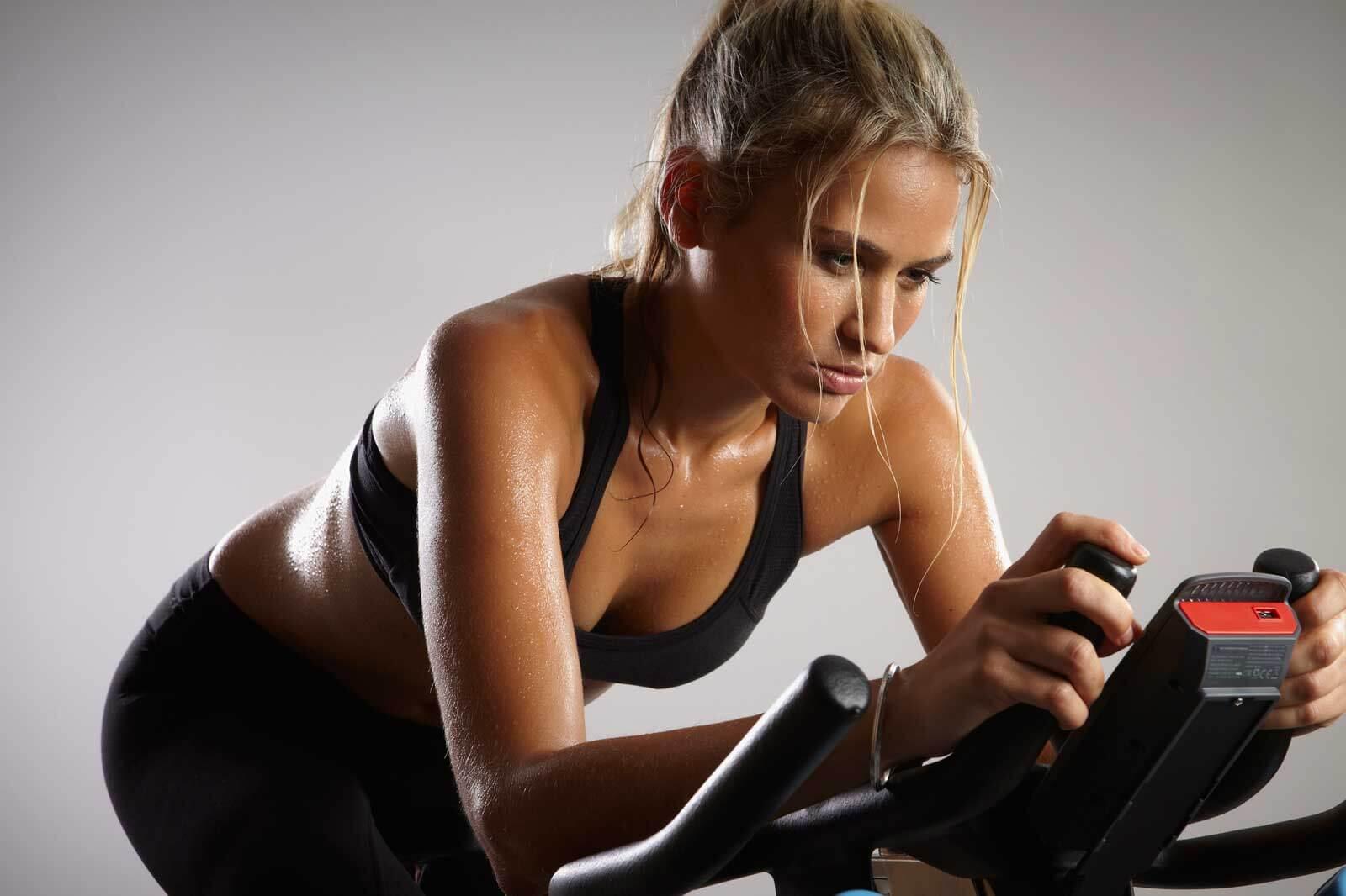 При тренировките за отслабване с велоергометър трябва да се спазват правила и да има система за изпълнение на упражненията.
