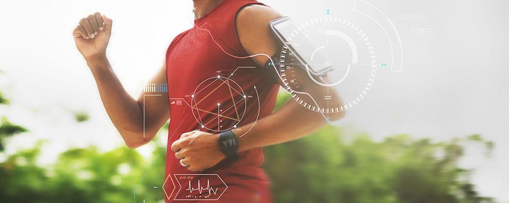 ПРеносимите технологии - фитнес устройства като гривни, смарт часовници помагат тренировките да бъдат много по-ефективни.