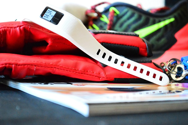 Дигиталните технологии, използвани във фитнеса, като смарт часовници, фитнес тракери, сърдечни монитори и др.