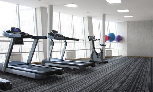 Фитнес килим за тренировки - подова настилка
