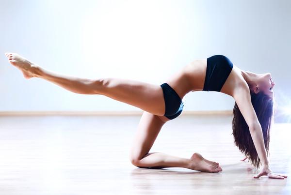 Упражнения за бързо отслабване в краката и дупето.